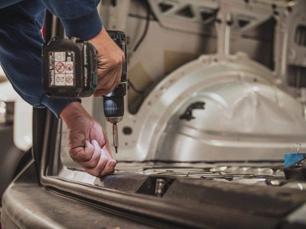 bedrijfsfotografie automotive sector boormachine boren