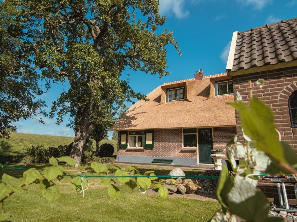 wide angle rieten dak woonboerderij productfotografie